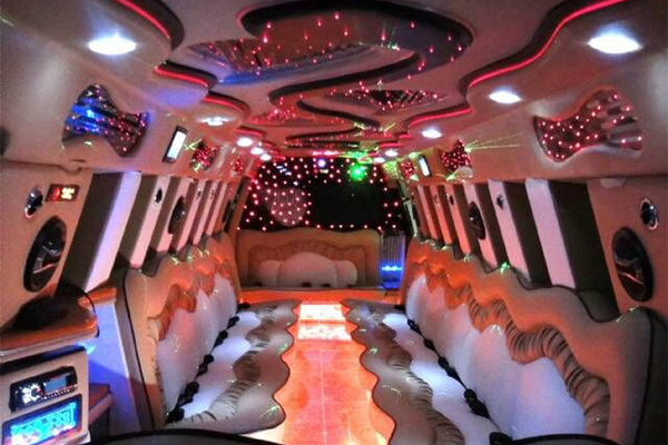 14 Person Escalade Limo Services Omaha